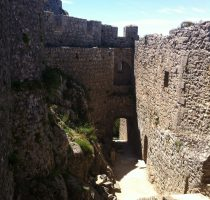 peyrepertuse and quéribus cathars castles